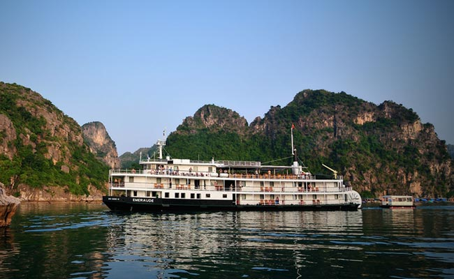 Hanoi - Halong Bay - Overnight on Emeraude cruise 3 days 2 nights